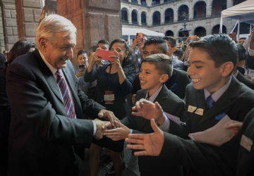 ACUDEN 26 ESTUDIANTES ZACATECANOS A LA CONVIVENCIA CULTURAL 2019 CON EL PRESIDENTE ANDRÉS MANUEL LÓPEZ OBRADOR