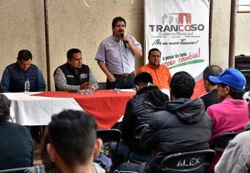 ATIENDE FINANZAS A 300 CONTRIBUYENTES DE TRANCOSO
