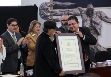 EL GOBIERNO DE ZACATECAS HACE PATENTE LA DISTINCIÓN HONORIS CAUSA A ISMAEL GUARDADO