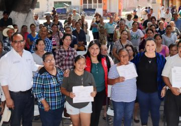 RECIBEN HABITANTES DE APOZOL PAQUETES PARA MEJORAMIENTO DE VIVIENDA Y TERRENOS