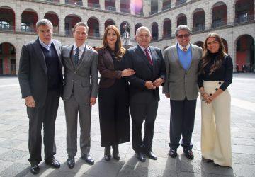 ANDRÉS MANUEL LÓPEZ OBRADOR Y SENADORES DEL PT ACUERDAN AGENDA LEGISLATIVA