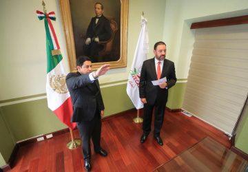 TOMAN PROTESTA A JORGE MIRANDA CASTRO COMO CONSEJERO PRESIDENTE DE LA JUNTA DIRECTIVA DEL ISSSTEZAC
