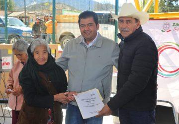 UNE BENEFICIA A FAMILIAS DE ESCASOS RECURSOS DE MELCHOR OCAMPO Y EL SALVADOR