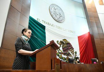 """SUSANA RODRÍGUEZ MÁRQUEZ ATIENDE INICIATIVA DE LOS JÓVENES PARTICIPANTES DEL """"SEGUNDO PARLAMENTO UNIVERSITARIO""""."""