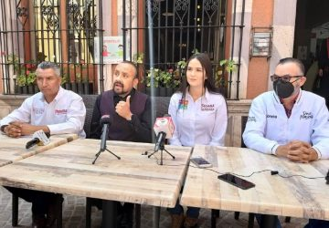 DECLINA OSCAR ACUÑA POR SUSANA BARRAGÁN Y POR DAVID MONREAL CANDIDATOS DE MORENA