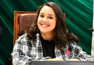 RECIBE DIPUTADA MIRANDA HERRERA UNA SOLICITUD CON MÁS DE 16 MIL FIRMAS PARA QUE EN ZACATECAS SE PROHÍBAN LAS CORRIDAS DE TOROS