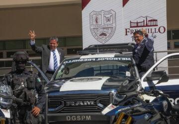 ENTREGA GOBERNADOR DAVID MONREAL PATRULLAS Y MOTOCICLETAS A LA METROPOL DE FRESNILLO, CALERA Y ENRIQUE ESTRADA