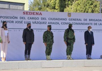 ATESTIGUA GOBERNADOR TOMA DE POSESIÓN Y PROTESTA NUEVO COMANDANTE DE LA XI ZONA MILITAR